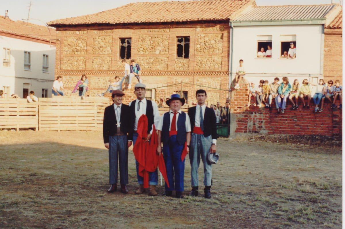 vaquillas - emiliano en el templete
